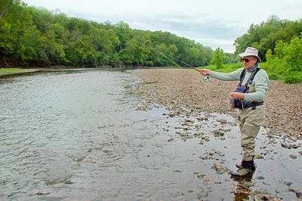 Looking for the perfect holiday gift for the angler in your life? How about sending them to the Lower Illinois River to learn about fly fishing?