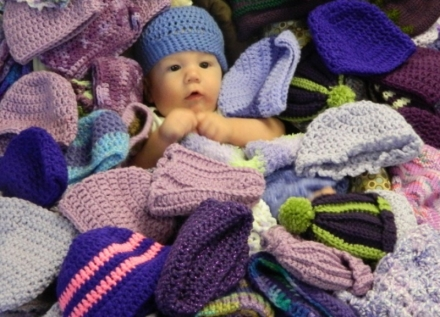 Oklahoma CLICK for Babies Campaign Seeks Local Knitters